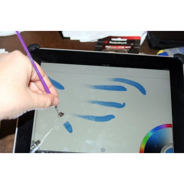 Un pincel especial amplía alcances de tablets.